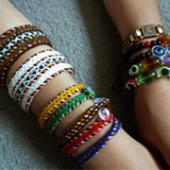 Вязанные браслеты «аладжа»