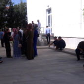 «Хоть на край света». Туркмены массово оформляют заграничные паспорта